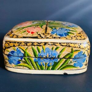 Vintage Indian painted box papier-mache.